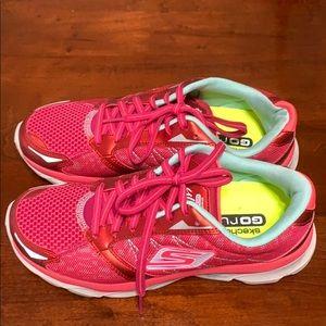 Sketchers GO run tennis shoes